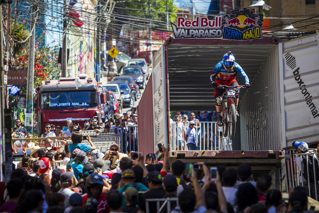 Tomas Slavic performs during Red Bull Valparaiso Cerro Abajo in Valparaiso Chile on February 19 2016 Fabio Piva Red Bull Content Pool P-20170220-00060 Usage for editorial use only Please go to www.redbullcontentpool.com for further information.