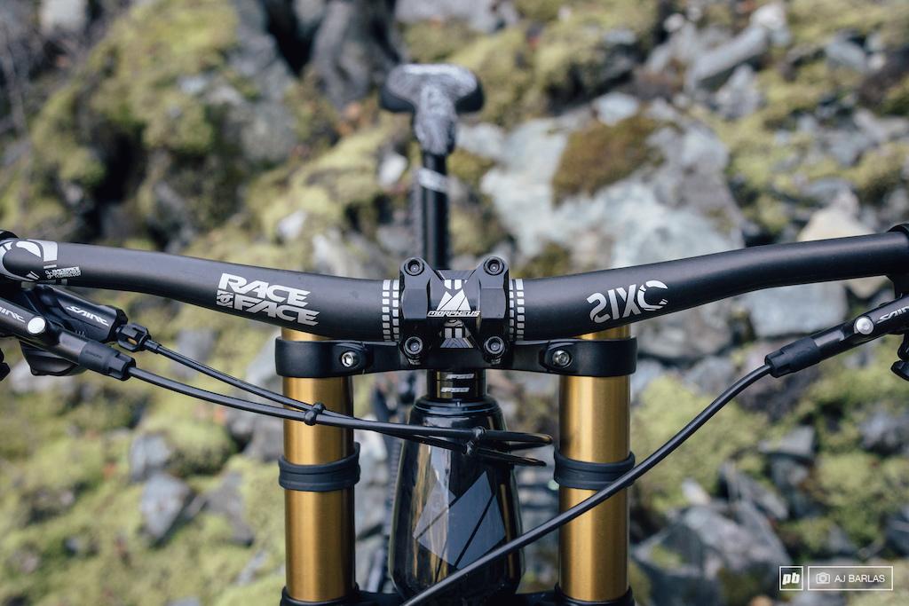 Carbon Racface SixC bars and Morpheus Direct mount stem. 31.8 diameter