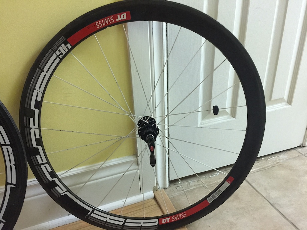 0 DT Swiss RRC 445F & 555R Tubular Wheelset-Rear Crack