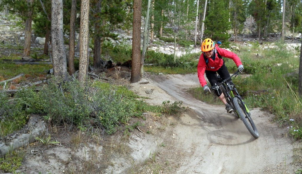 Strawberry Jam is a nice flowy trail built by Singletrack Trails. Perfect for our trail-oriented Treks