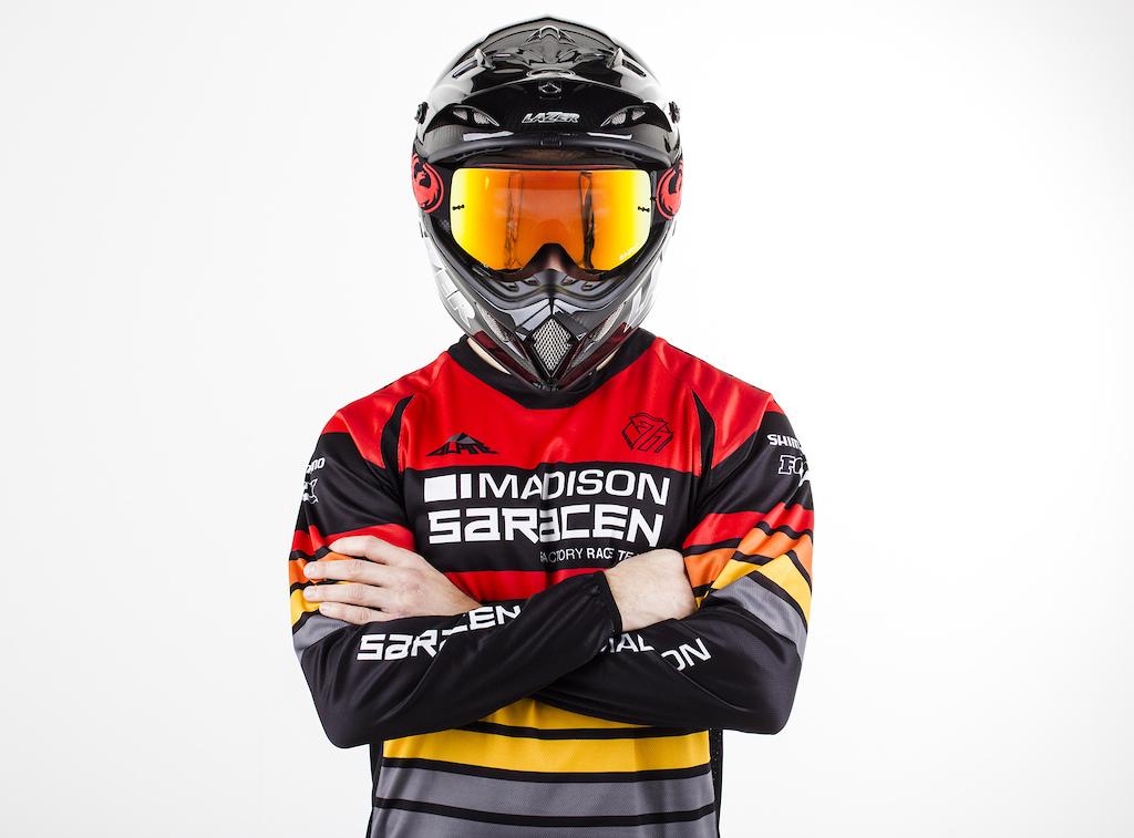 Madison Saracen Team Myst 2017 Bikes and Kits
