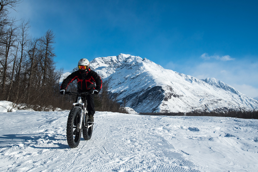 Russ heads out on the Mineral Creek nordic trail just outside of Valdez.