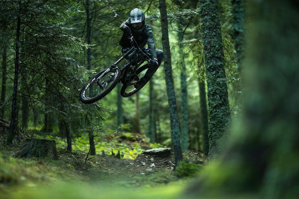 Commencal Furious DH Bike