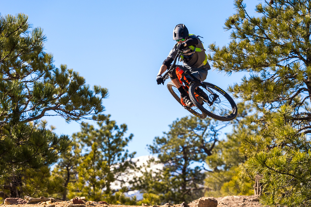 Kirt Voreis launches the Niner RIP 9 RDO during a visit with the SRAM guys in Colorado Springs.