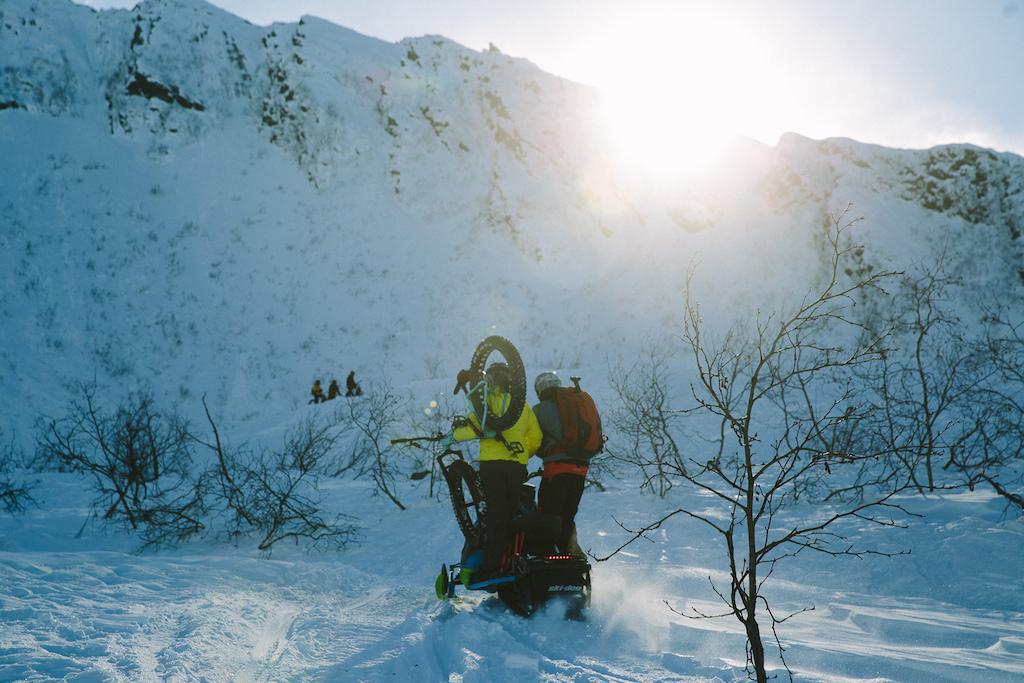 Shuttling Valdez style. Photo Robb Thompson