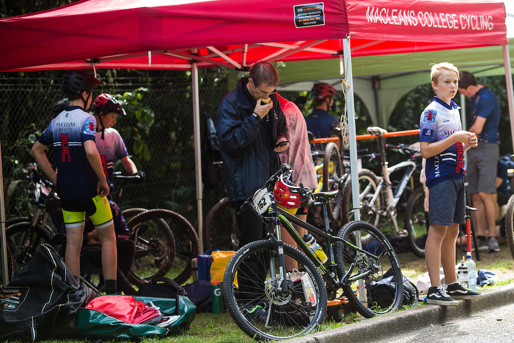the boys of Macleans College Cycling team at the Professionals Rotorua National Schools MTB Championships Presented by Altherm Window Systems. Credit Fraser Britton Crankworx