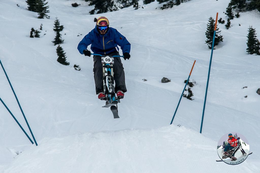 Skibike / Snowbike Jump