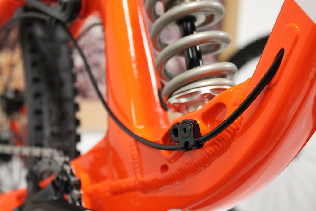 Slick internal cable routing make the lines on the bikes Delirium clean