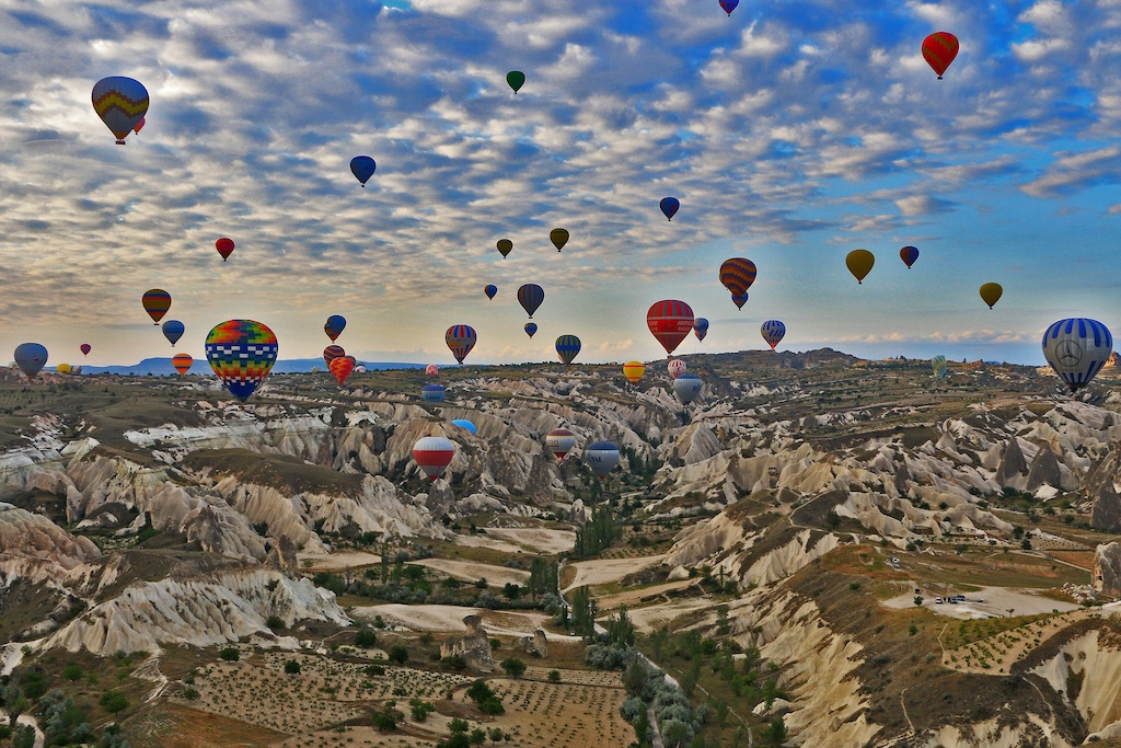 We also get a hot air ballon ride in the deal!
