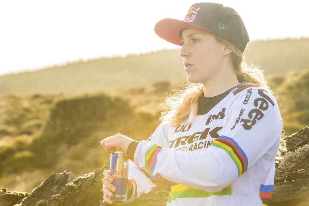Rachel Atherton relaxes during Red Bull photoshoot in Aberystwyth Wales UK on March 09 2017 Olaf Pignataro Red Bull Content Pool P-20170319-00335 Usage for editorial use only Please go to www.redbullcontentpool.com for further information.