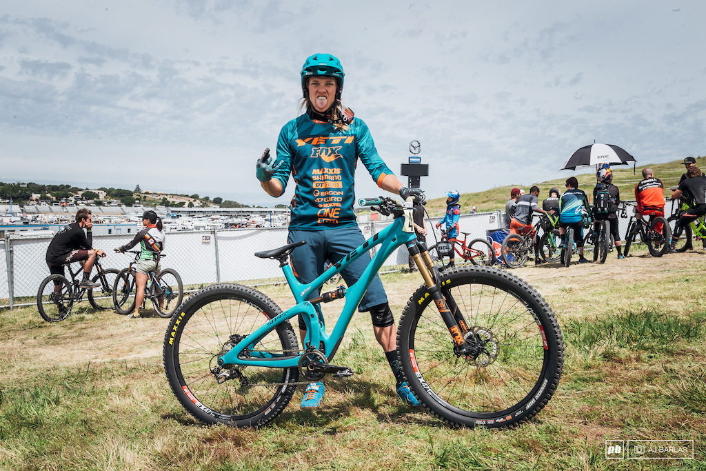 Cody Kelly was riding something special. He had the Yeti SB45c s 29 wheels replaced with 27.5 wheels and the 130mm 29 was swapped with a 140mm 27.5 fork. He stuck with same size large that he normally rides.