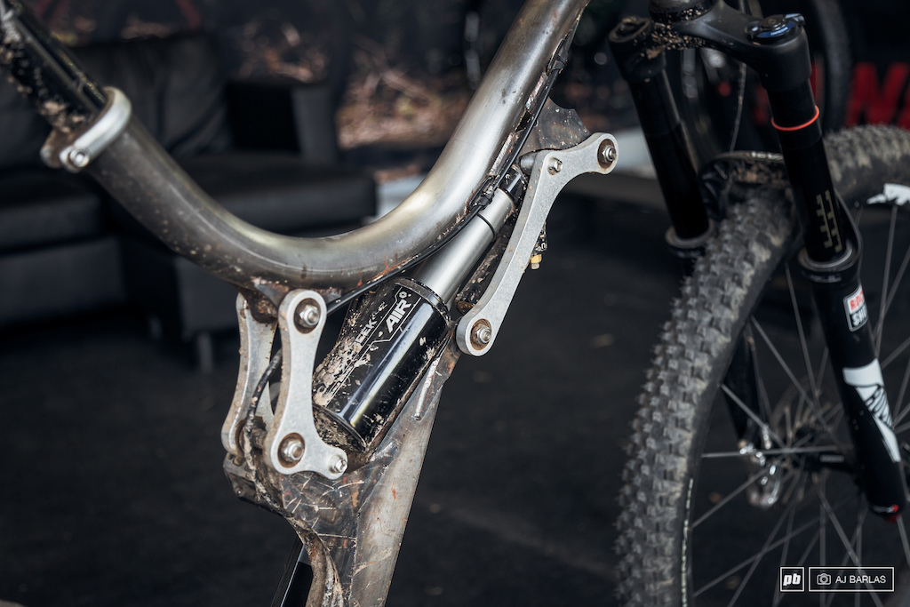 The idea behind the linkage was that it would keep the bb in the same position as the bike is compressed.