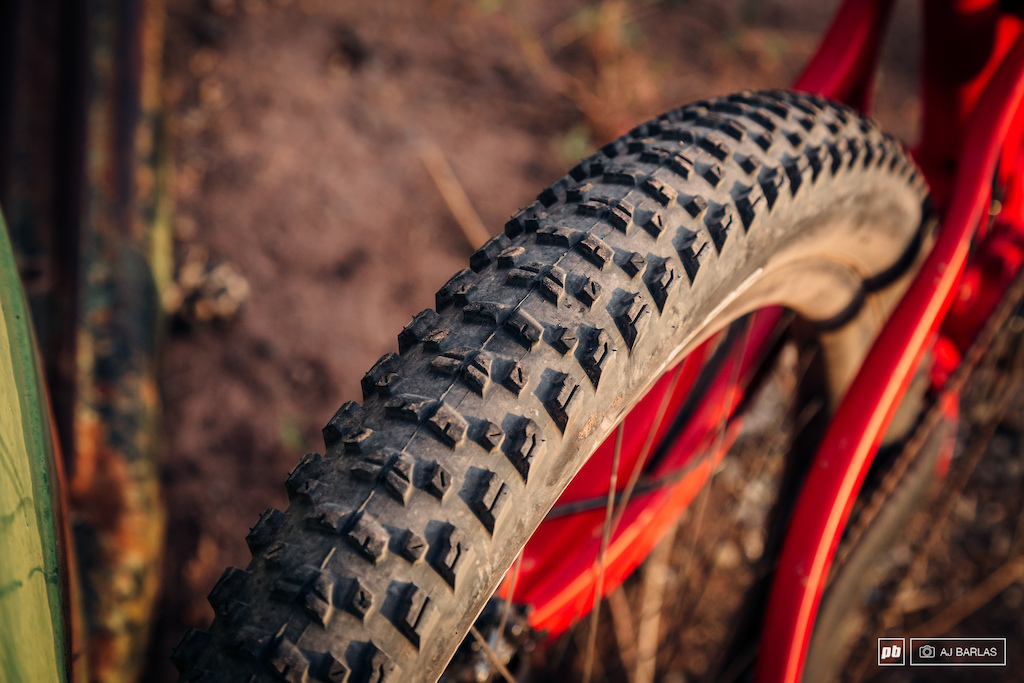 The rear tire is a 2 6 Maxxis Rekon. The front and rear tires feature EXO casings