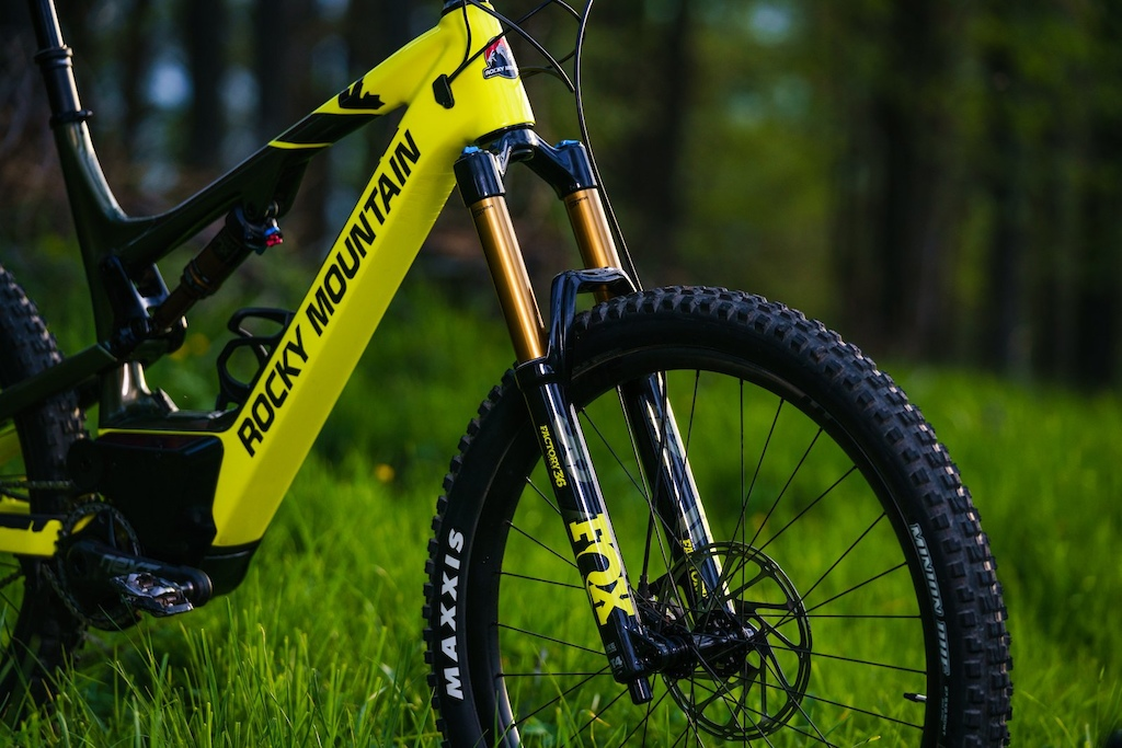 The E-Bike Optimised version of the Fox 36 uses thicker walled stanchions steerer and a solid top crown.
