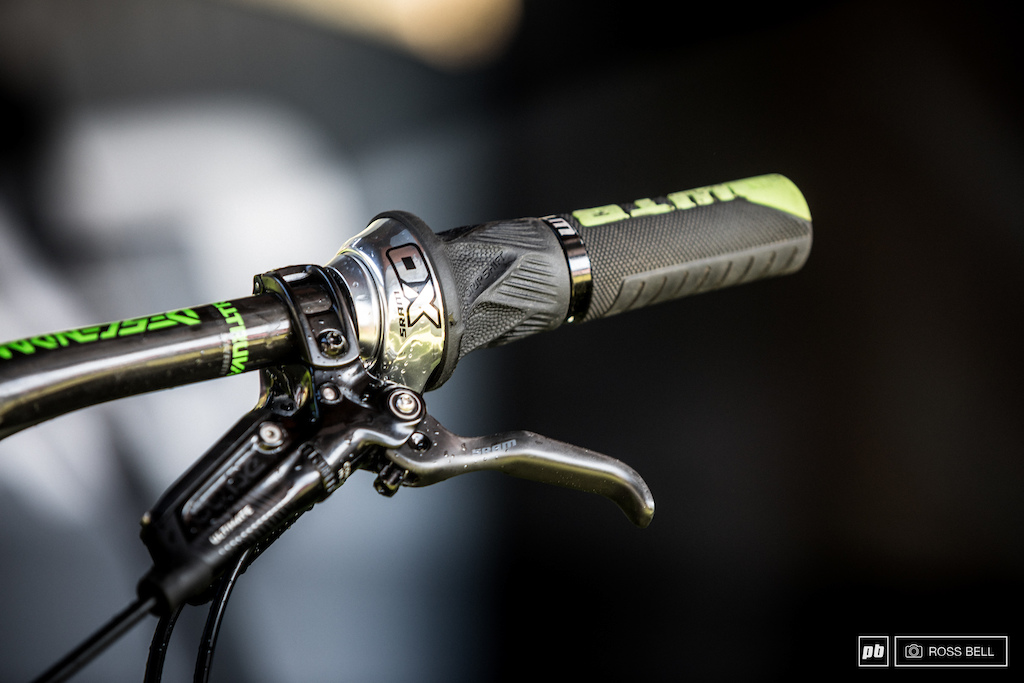 Jerome Clementz using a grip-shift to lock out his rear shock.