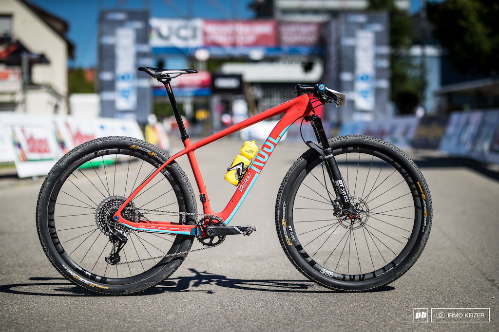 Simon Gegenheimer s Rose Psycho Path. Whilst most racers choose to ride 29ers the explosive rider prefers his 27.5 bike for the course.