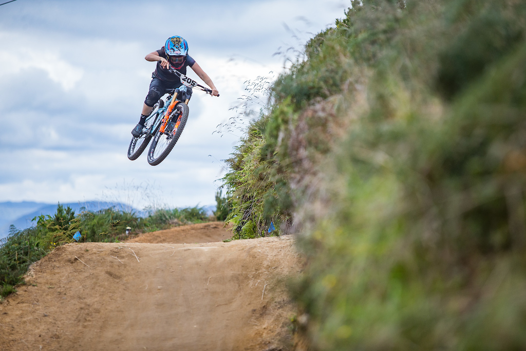 Action from the crankworx Air Downhill. Credit Fraser Britton Crankworx