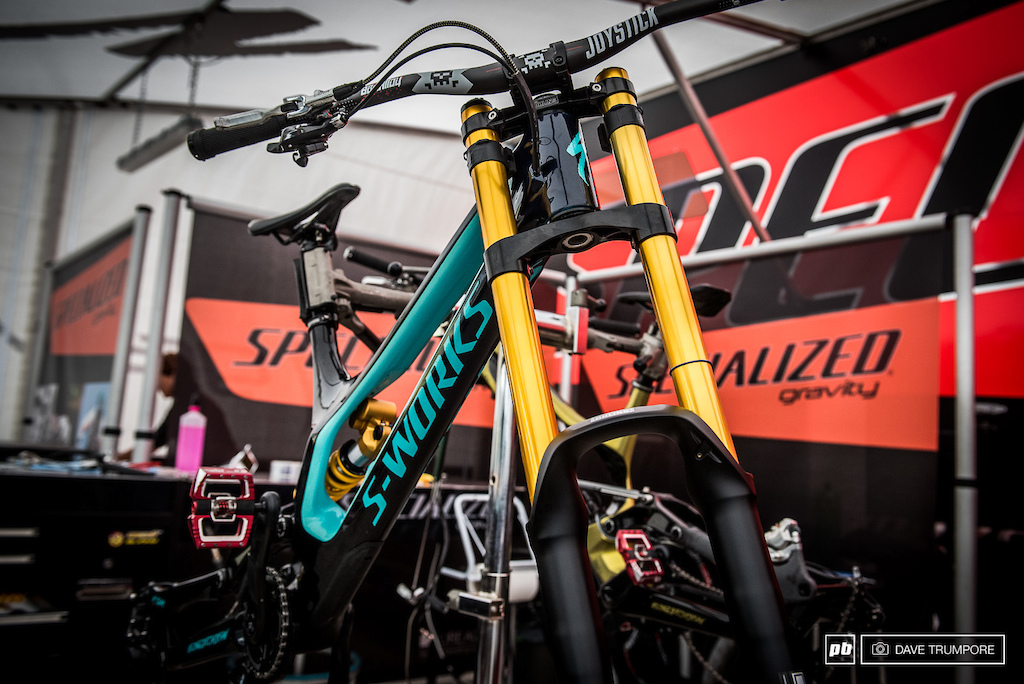 Gold Ohlins stanchions aboard Loic Bruni s Demo.