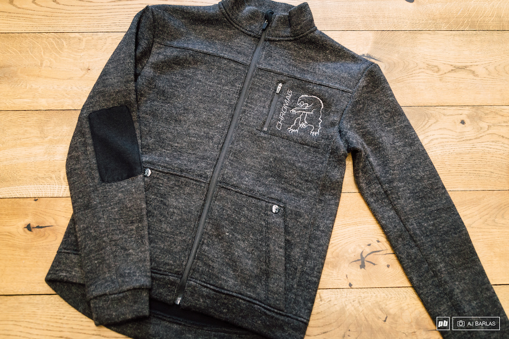 The Faraway Wool jacket features a wool blend full zip front and back zip pockets and elbow patches. It s more for the commute or post ride session than the dirty wet mtb ride.