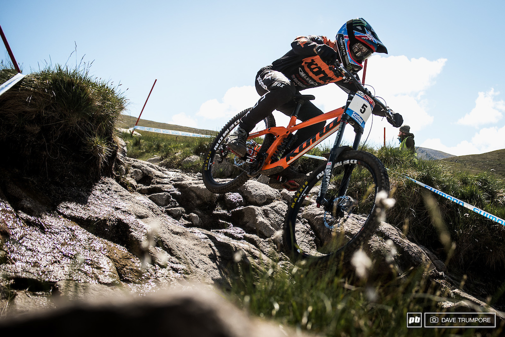 Connor Fearon dodged a rainy bullet in Lourdes and is sitting pretty in 5th right now.
