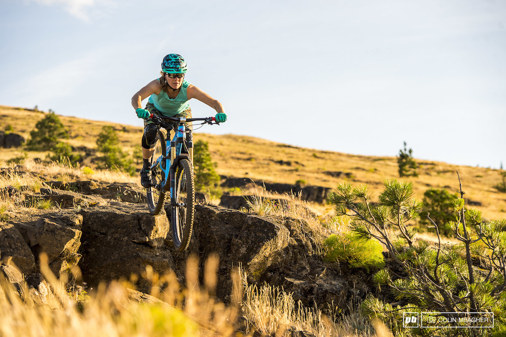 Action and static imagery of the Shredly MTB Long short and Honeycomb Tank top.