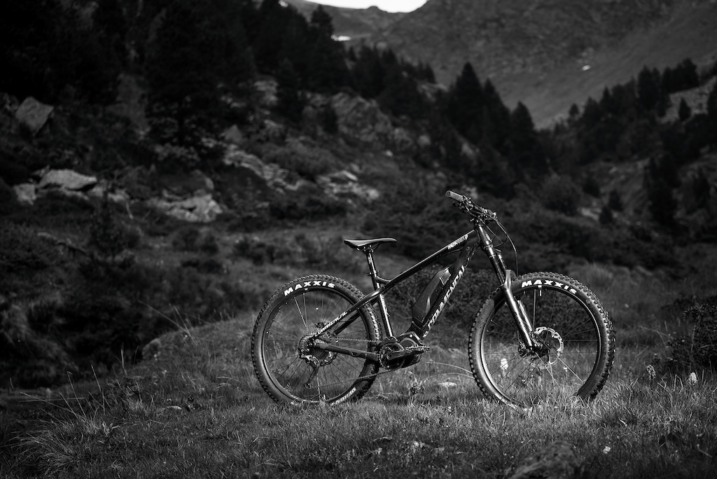 Adventure At Your Fingertips – Commencal Meta HT Power