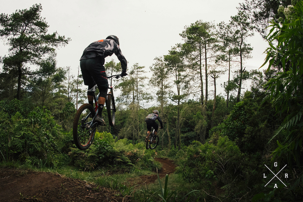 Nico Vink and Vinny T Ride Hero Dirt in Cikole