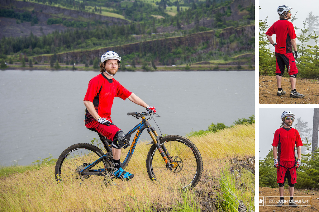 Static images of the O Neal Pin It III MTB Jersey and Short.