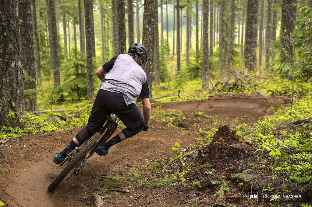 Justin Fernandes with the Sombrio Highline short and Ridgeline Jersey.