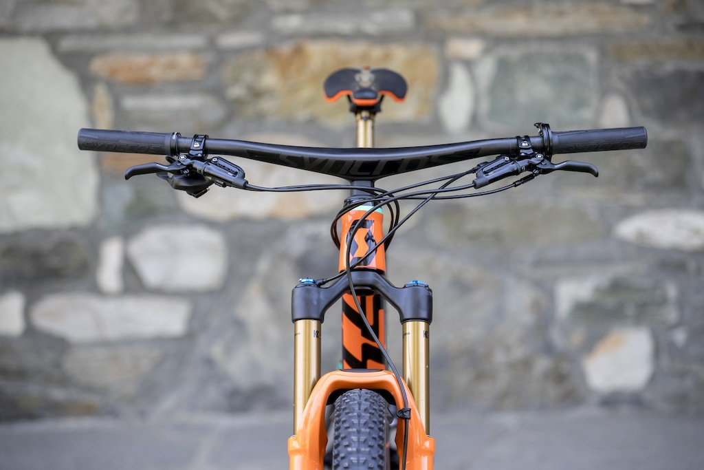 The Hixon integrated handlebar cleans up the most complicated cockpit on the market.