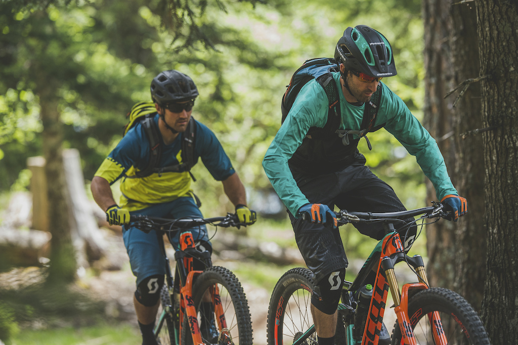 Riding the all new Genius with Andrew Neethling and Rudy Biedermann