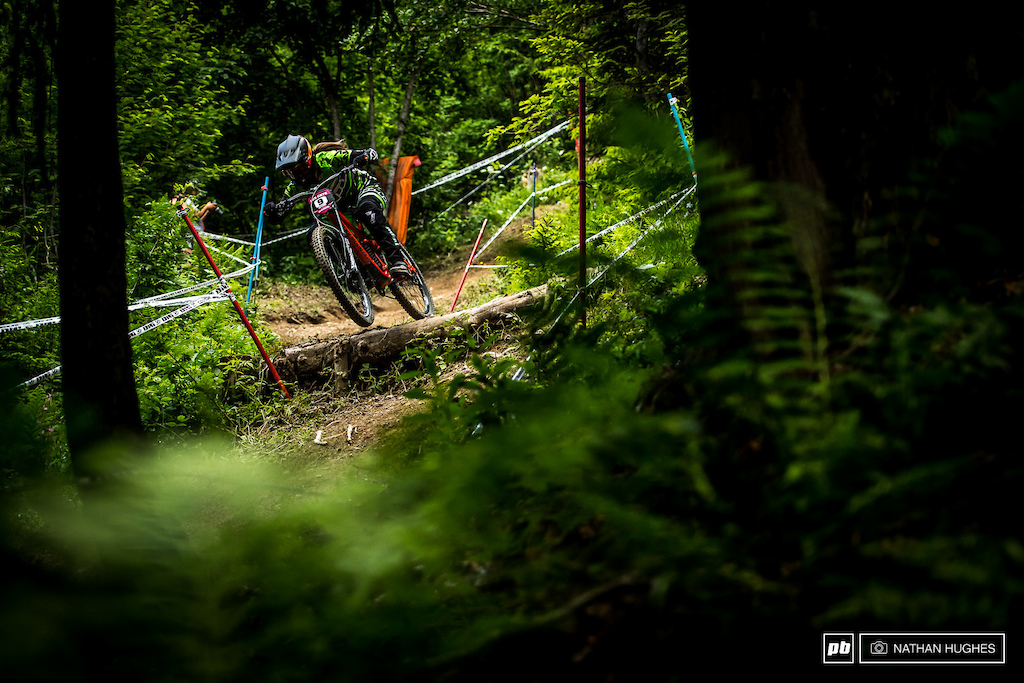 Vaee Verbeeck at home in the ferns, riding to a top 10.