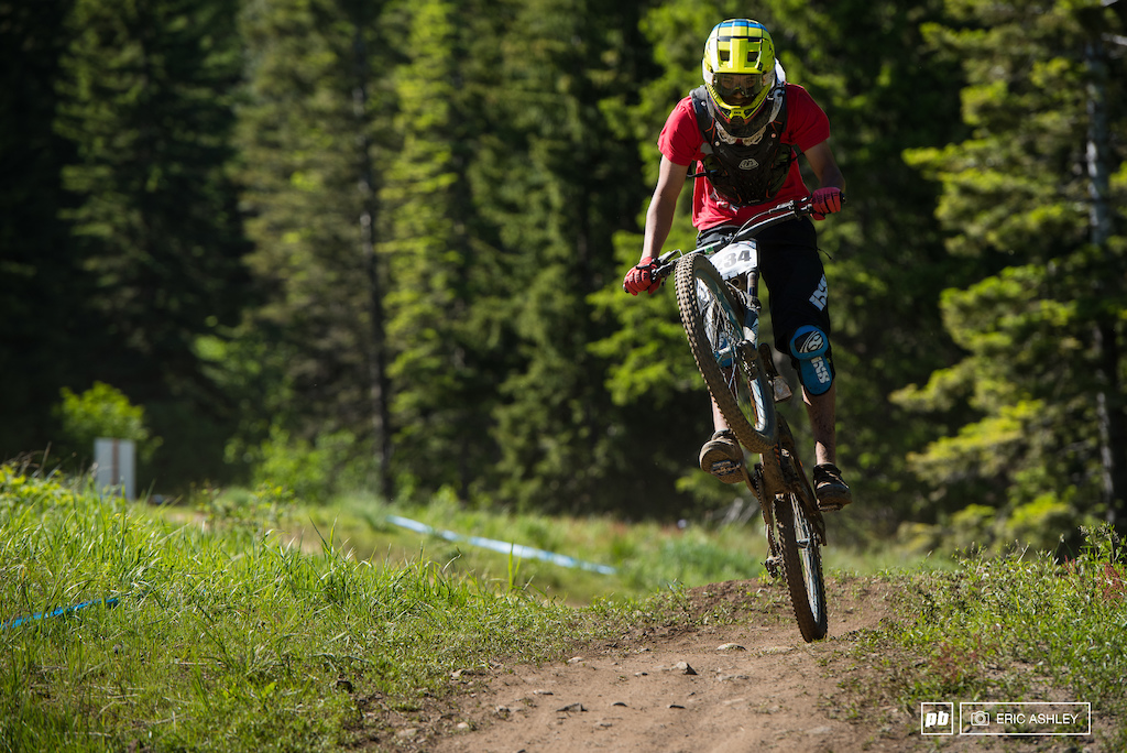 Andrew Gore makes the best of a mechnical during his seeding lap Cat 1 Men 0-18 .