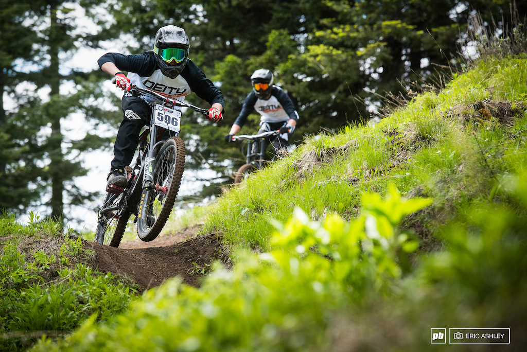 With the start gate positioned mid-mountain riders were free to enjoy a fun casual ride on the way down. Aaron Ostrom Cat 2 Men 15-18 .