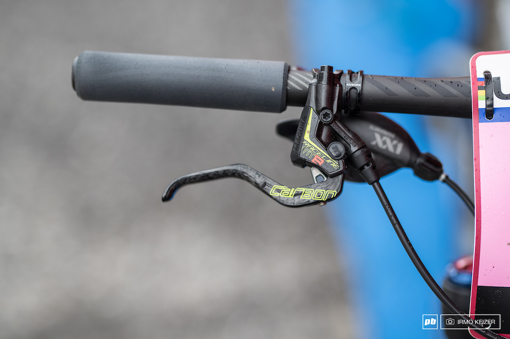 Stopping power is provided by Magura s MT8s.
