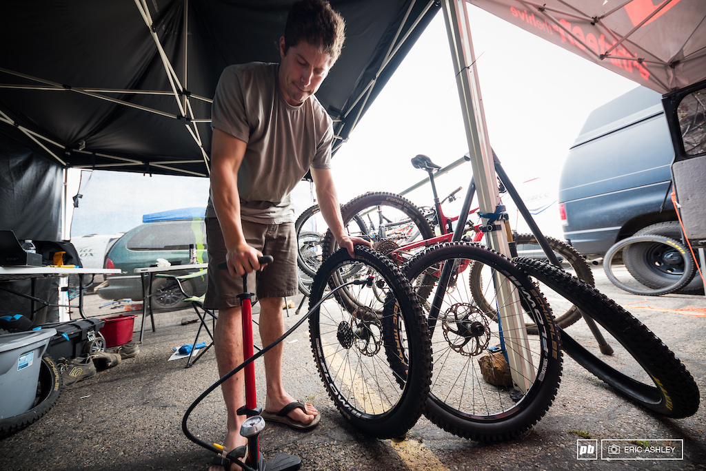 Matt Orlando gets everything just right before heading up the mountain for the day Pro Men .