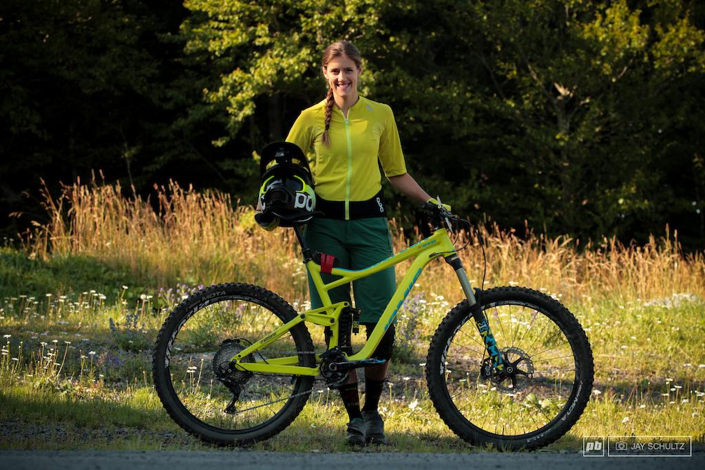 Syd Schulz Taos NM. Team Jamis Factory Racing Vittoria Bike Jamis Defcon Sponsors Jamis Osprey POC Xpedo Vittoria X-Fusion Stikro Slime Shimano Taos Mountain Energy Bar Santa Fe Brewing Co.