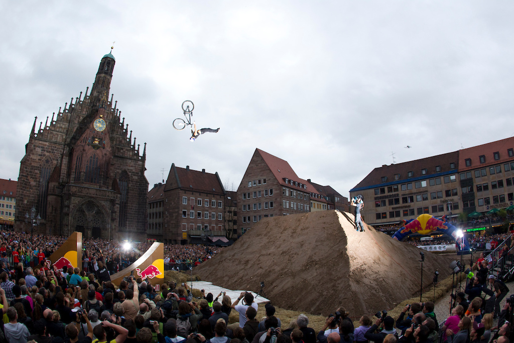 Andreu Lacondeguy at Red Bull District Ride 2011