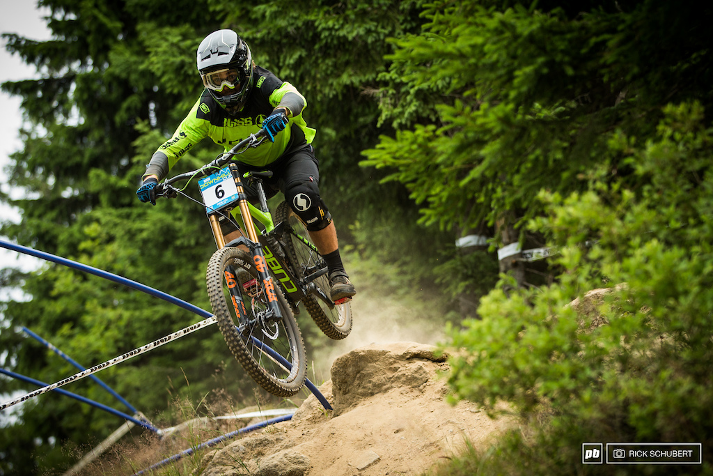 Number one qualifier Matt Walker making his way through the first rock section