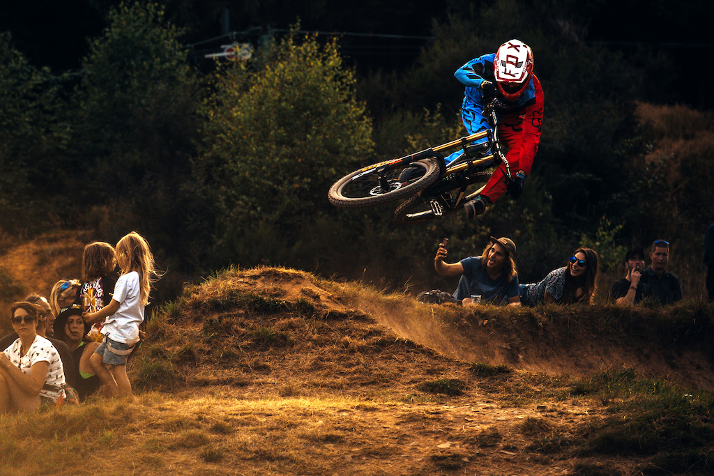 Effortless style from B.Van Steenbergen warming up for the main show on the big line at Loosefest