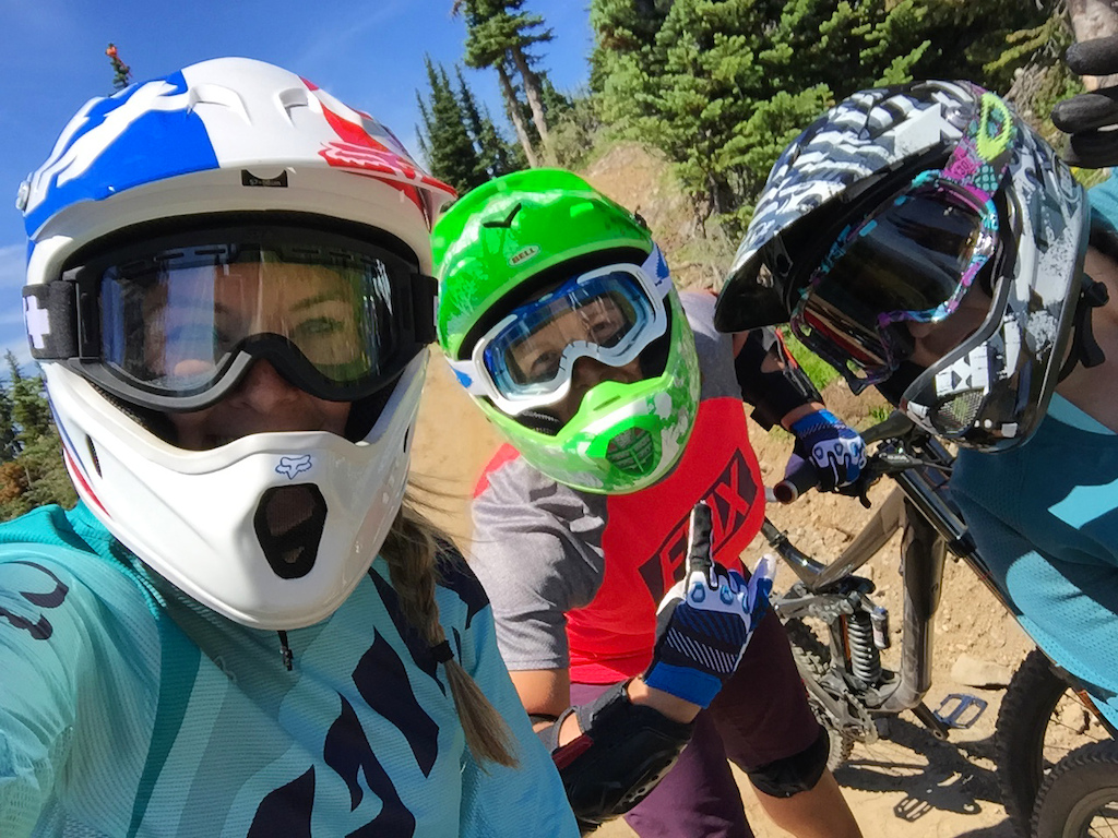 Bike Big White: Women's Downhill Bike Camps