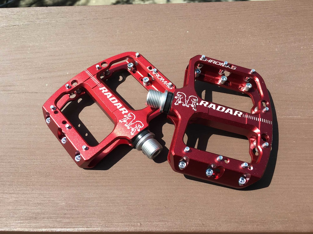 Pedals for Groms Spank Spoon 90 vs. Chromag Radar - Review