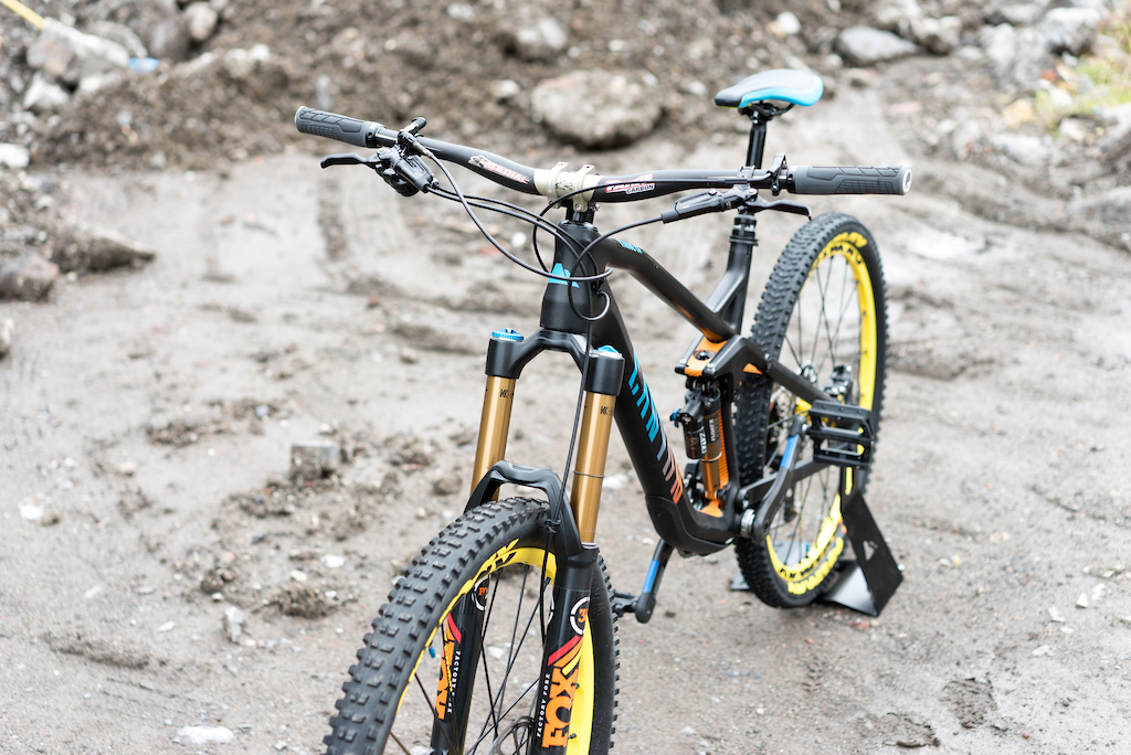 2015 Canyon Strive CF 9.0 Team Updated 2016 Shapeshifter
