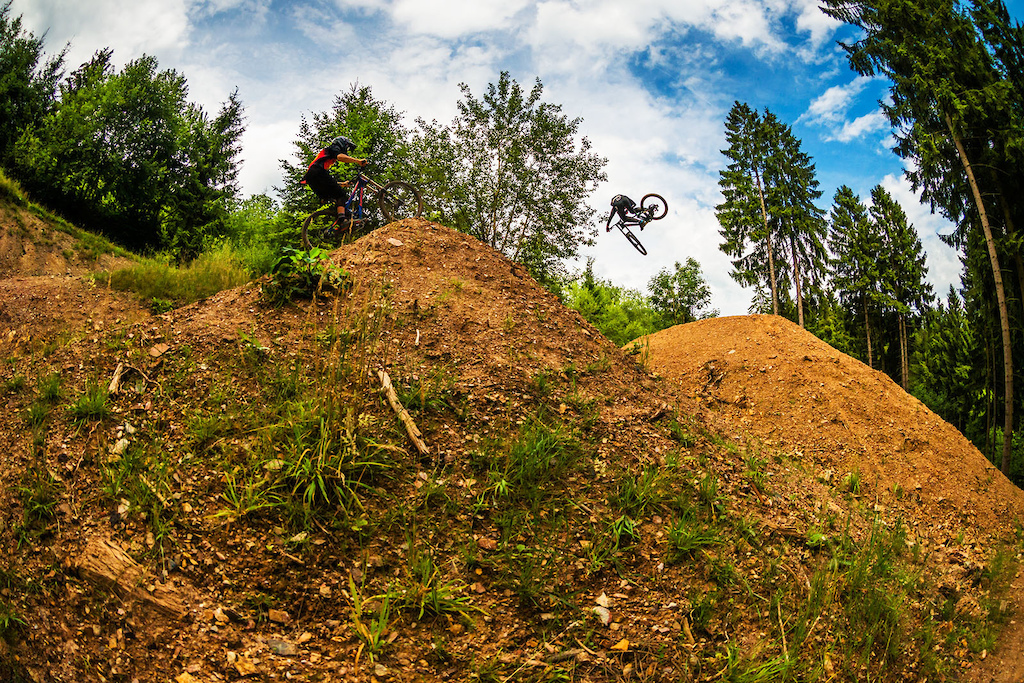 Lots of bikepark runs during the day Joel close behind a sideways Bas