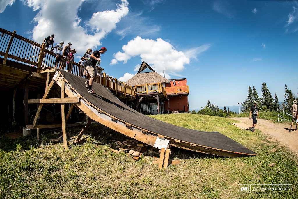 A short, steep ramp brings riders down from the decking onto the fire road. A pre-jump is probably about the only way to avoid a harsh huck to flat.