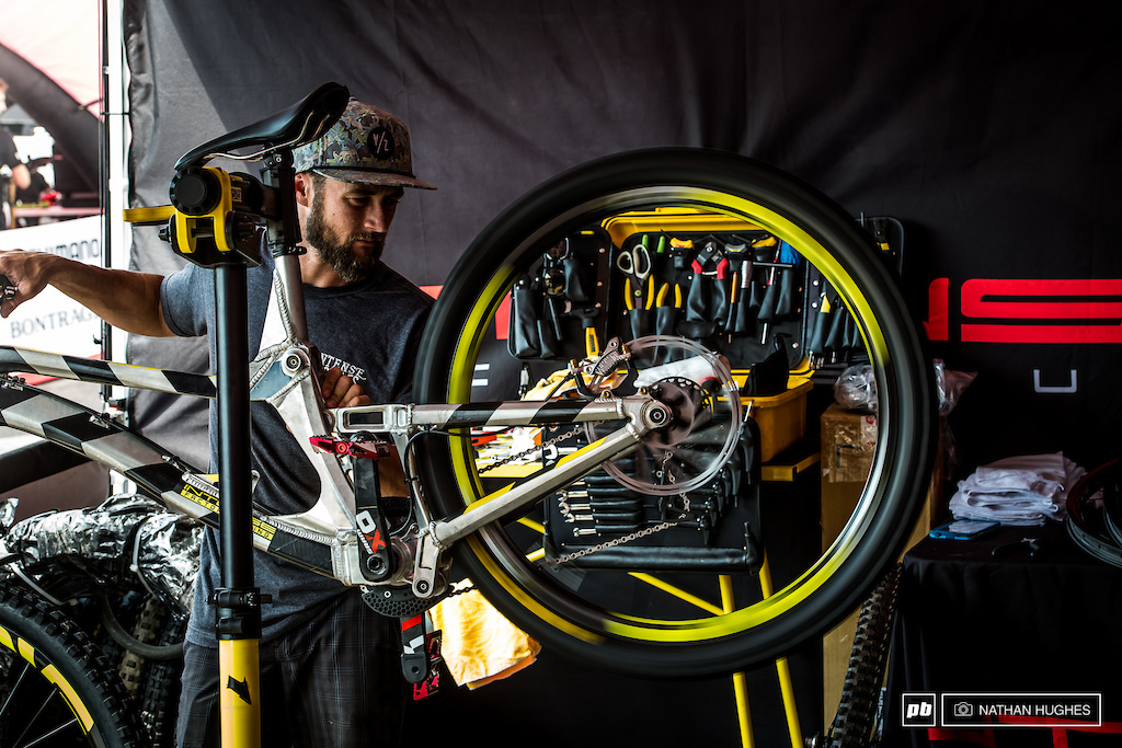 Chappy Fiene tuning in Deanos Machineos' gears at the IFR pit.