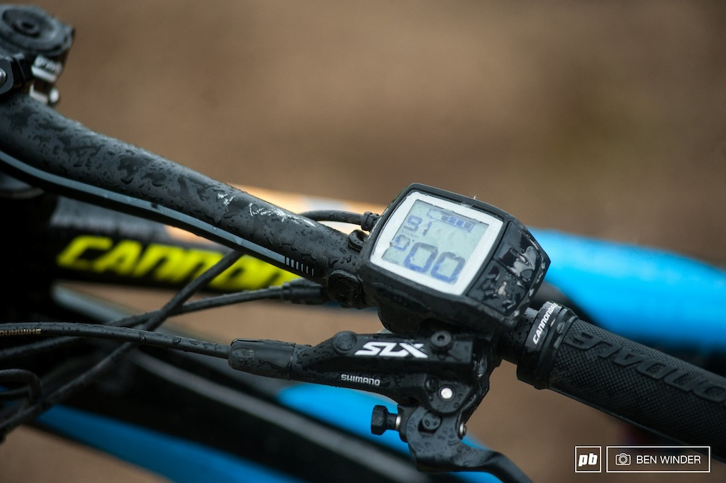 The Cannondale uses the smaller and simpler Purion display from Bosch.