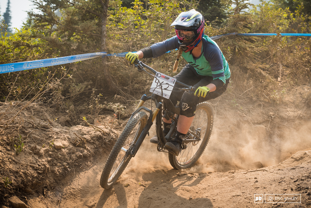 Sarah Olsen was one of a few riders tackling Berserker on a single-crown (Cat 1 Women 0-29).