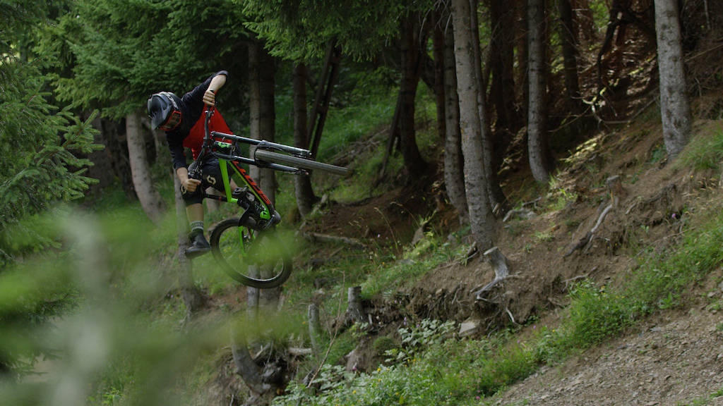 Kristof Lenssens amp Antoine Buffart ride Champ ry
