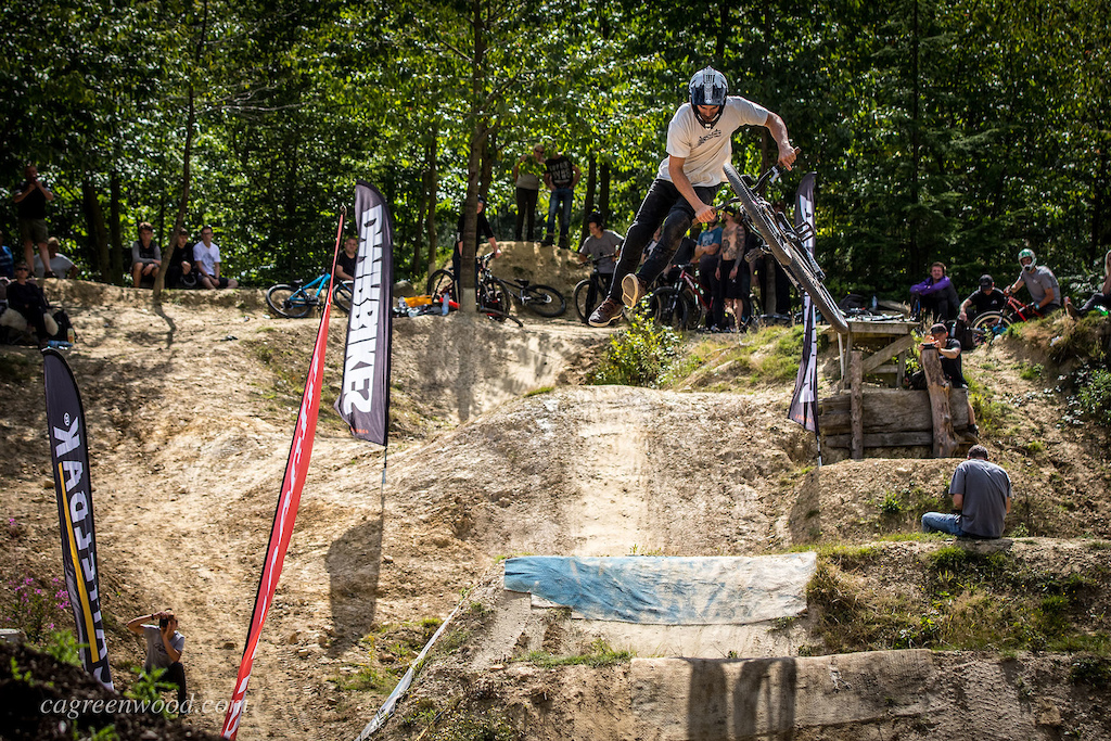 With the same top score as Zac Rainbow, it was Kerry's consistency to throw down banger runs that earn't him the top step of the podium today. Here he is boosting a tail whip before setting up for a 3-whip over the last